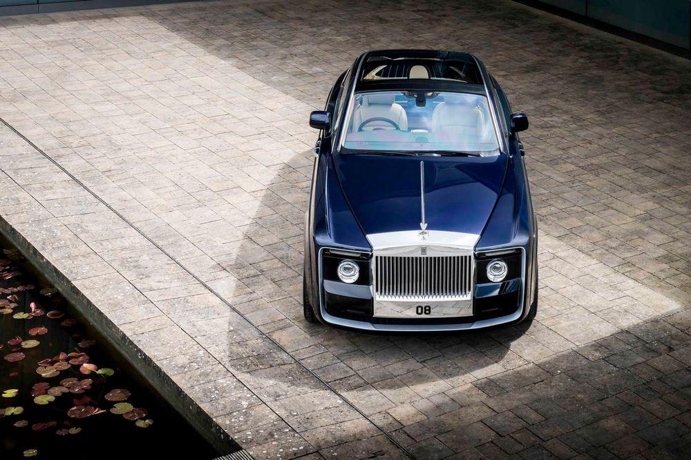 Bugatti Centodieci không những có vẻ ngoài đẹp mà còn có công suất cực mạnh